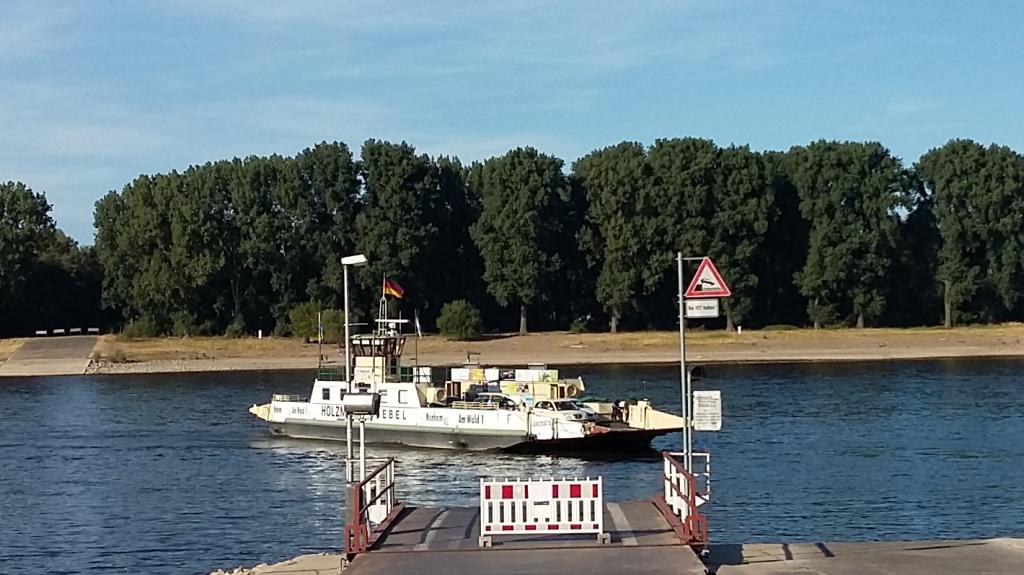 Rheinfähre Langel